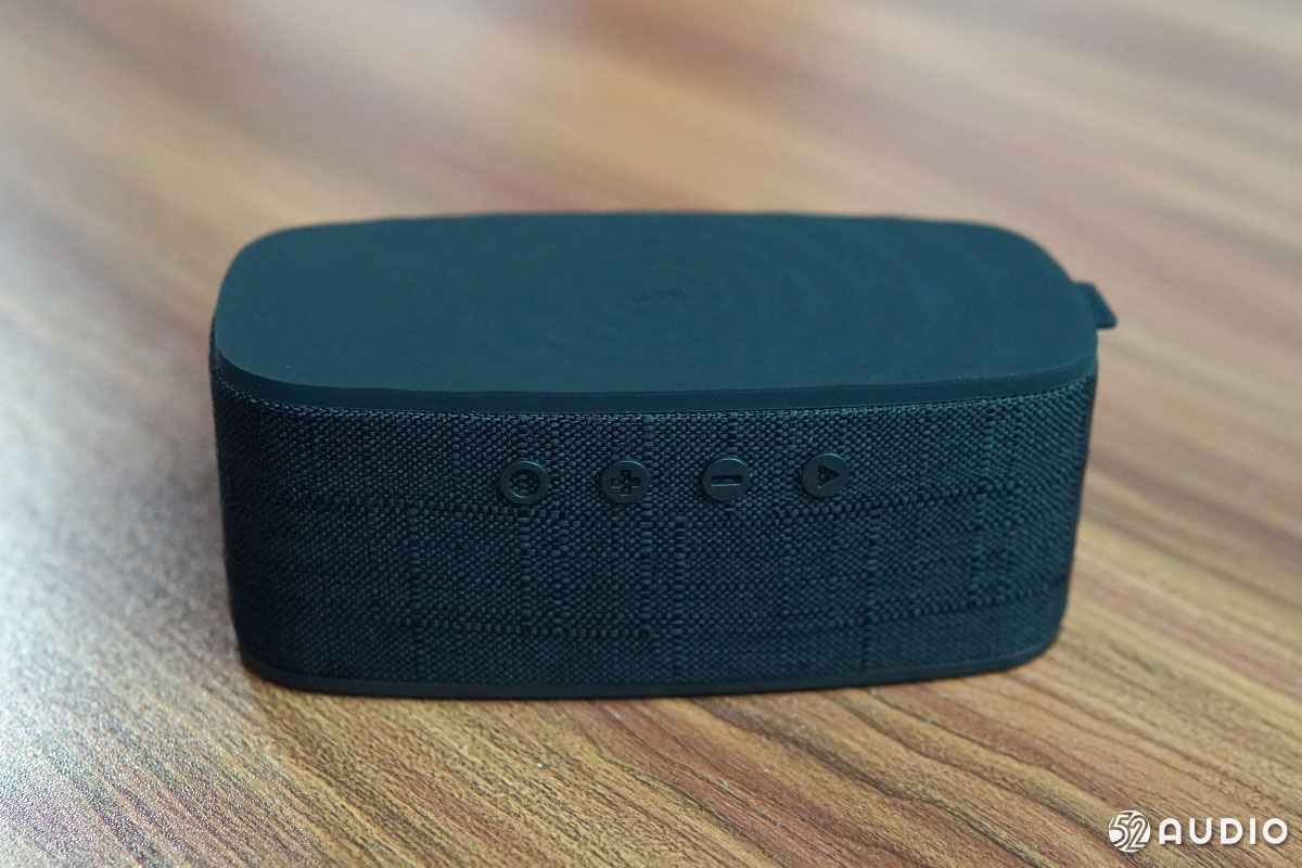 Momax摩米士QZONIC无线充电蓝牙音箱开箱:支持TWS连接和Qi无线充电