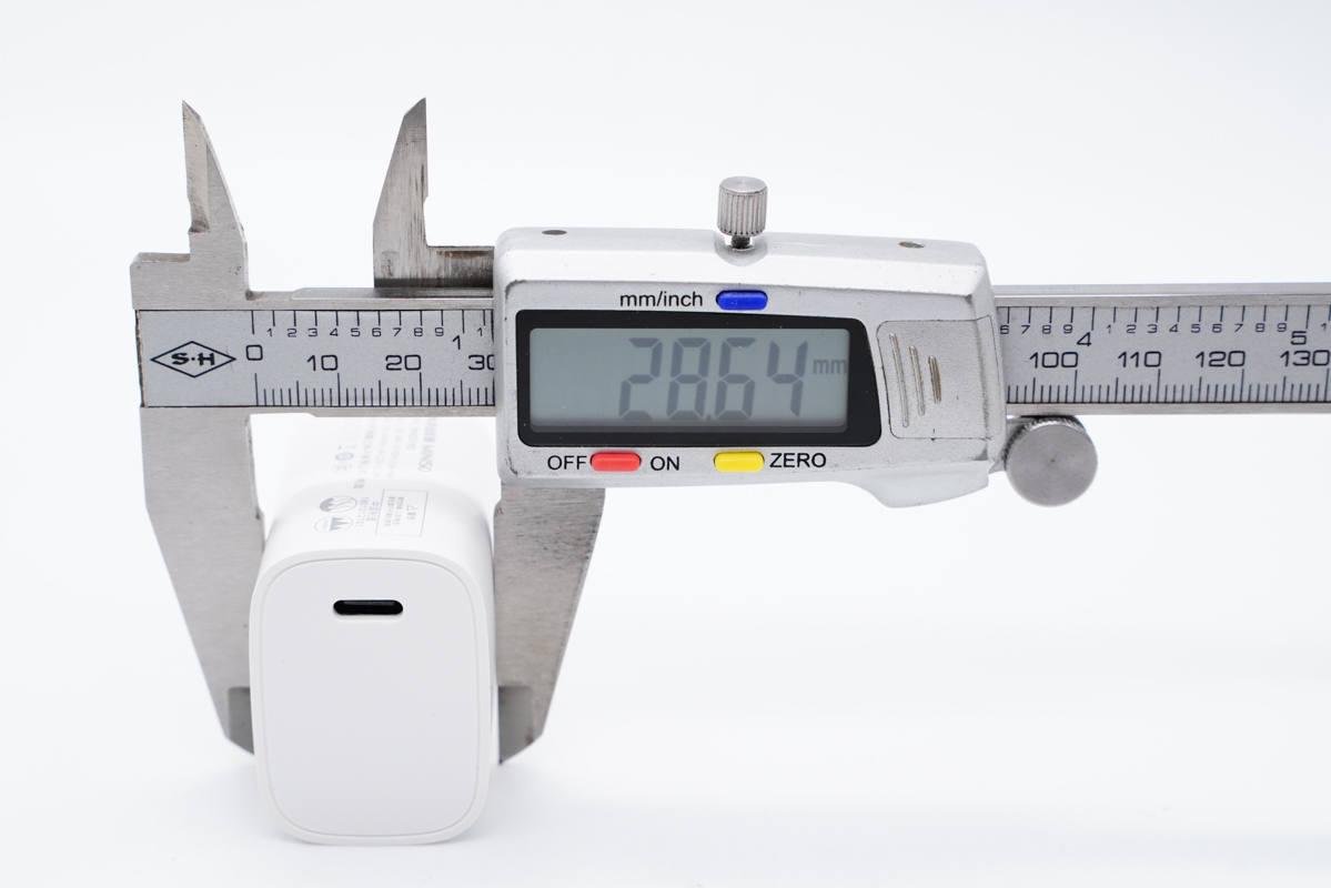 拆解报告:MINISO名创优品18W PD快充充电器RWD018D-充电头网