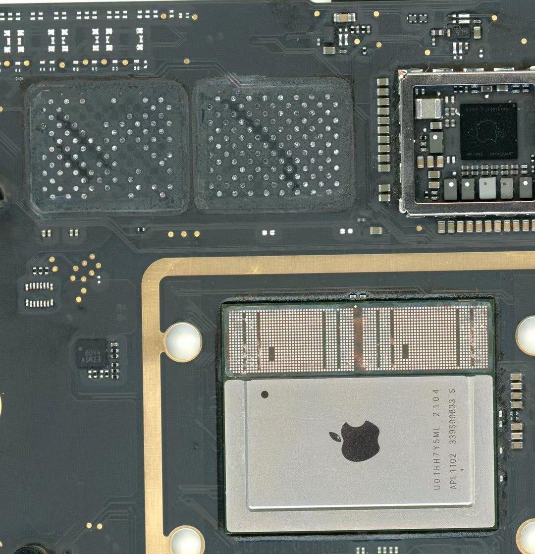 中国工程师破解M1处理器MacBook,成功扩容16G内存、1TB硬盘-充电头网