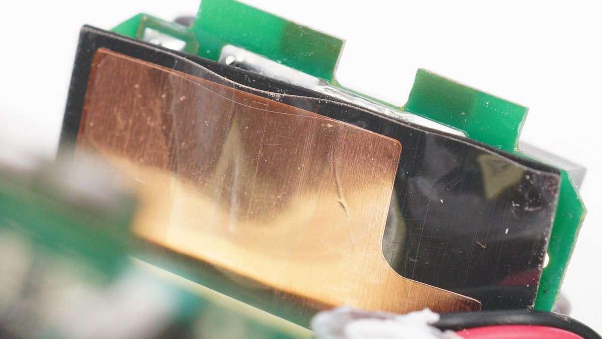 拆解报告:RAVPOWER睿能宝65W 2A2C快充充电器-充电头网