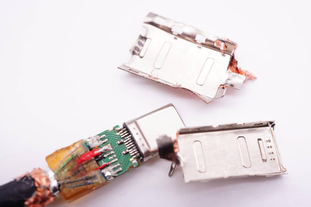 拆解报告:讯光电子USB4数据线-充电头网