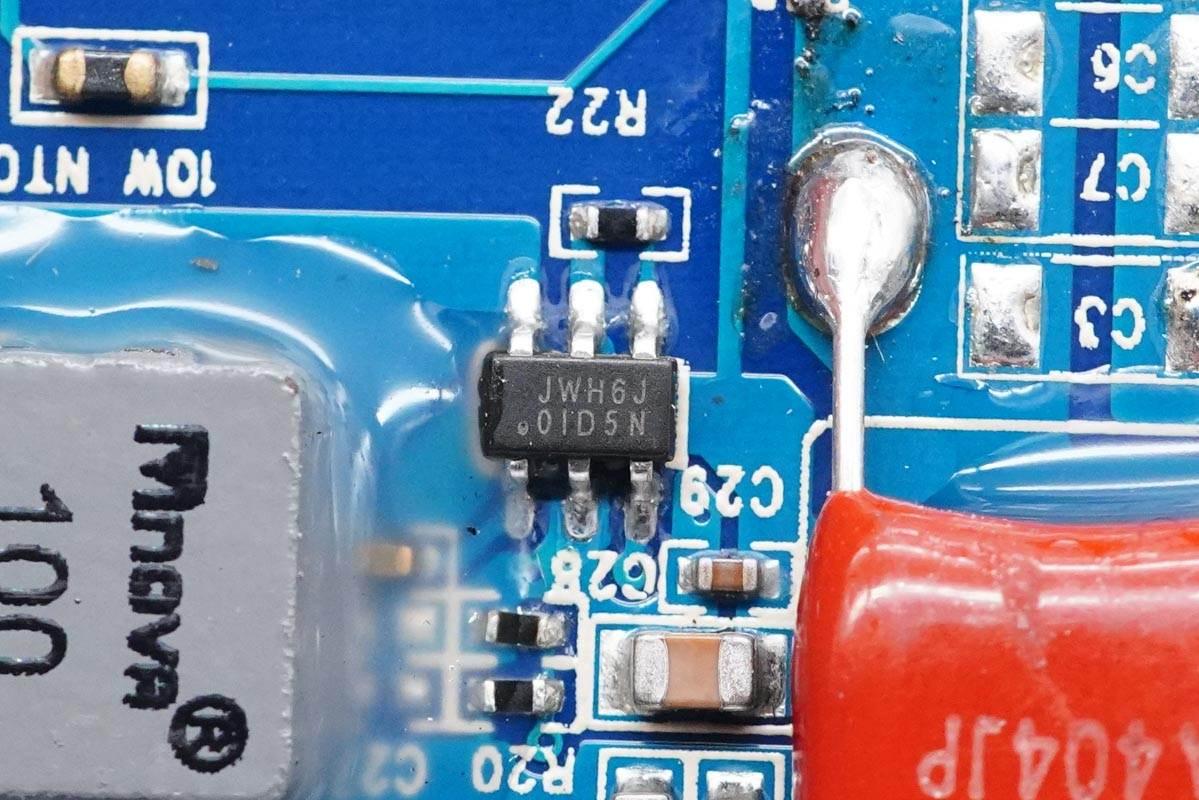 拆解报告:CYSPO三合一无线充电器T9-充电头网