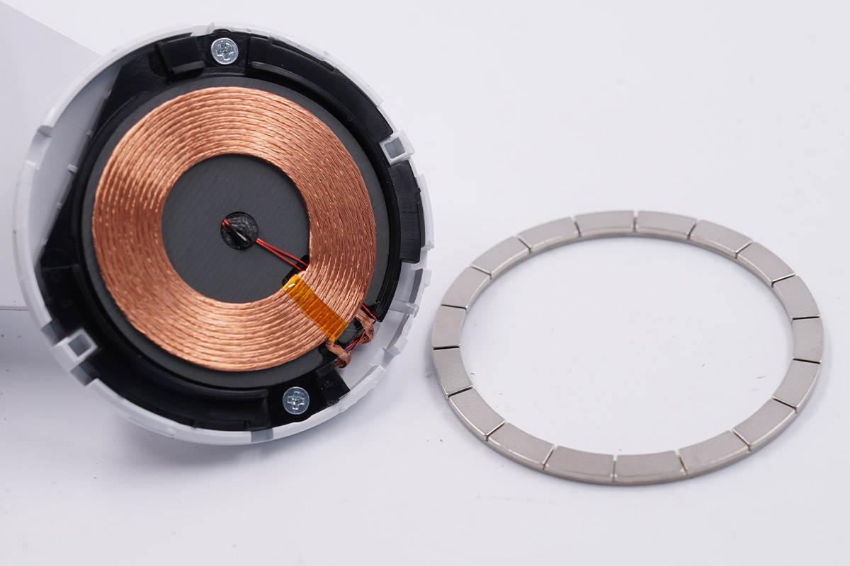 拆解报告:belkin贝尔金磁吸无线充电器WIB003-充电头网