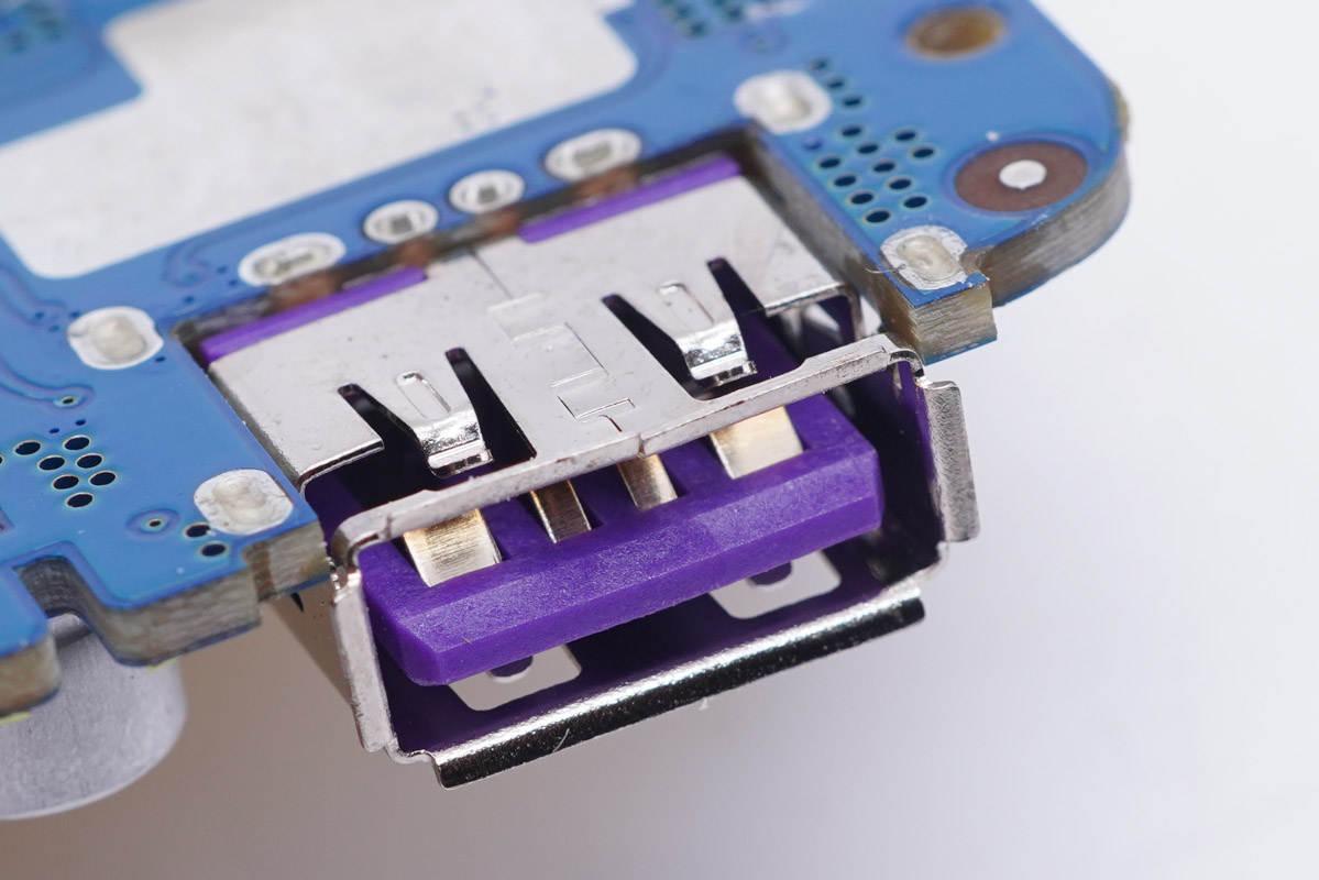 拆解报告:UGREEN绿联10000mAh磁吸无线充移动电源PB195-充电头网