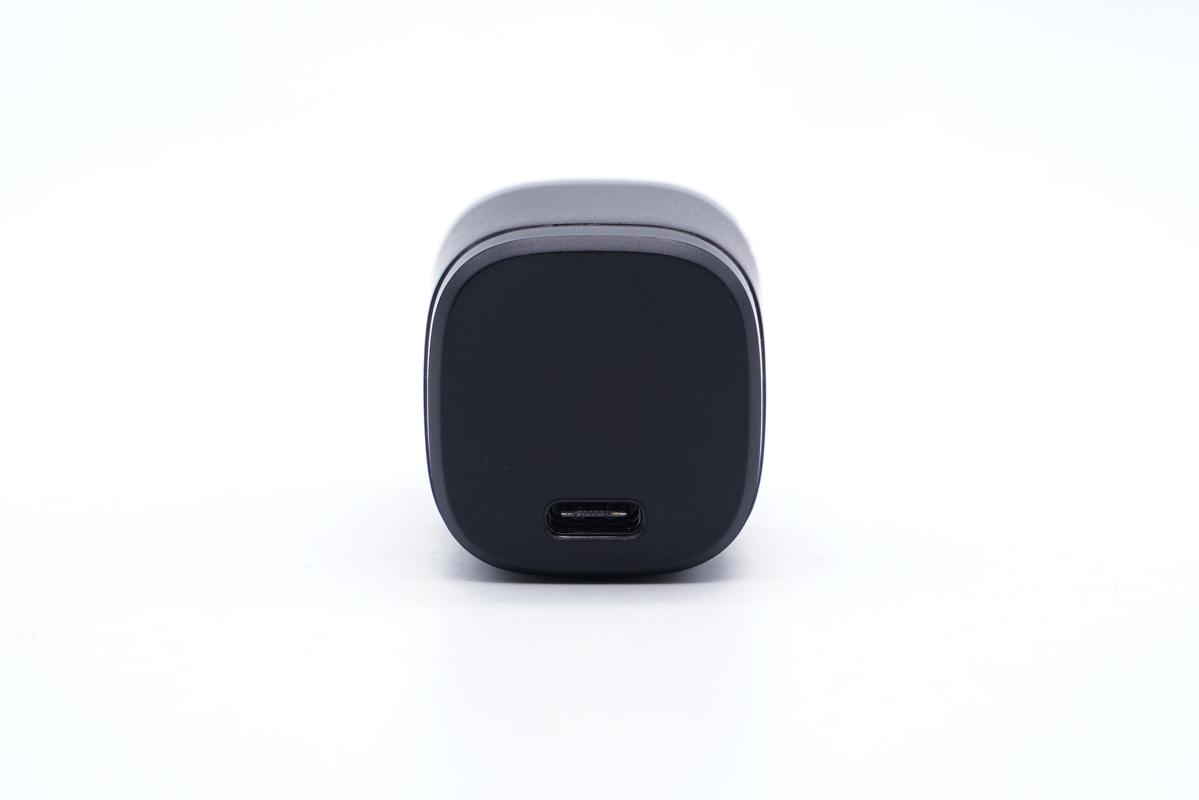 诚芯微33W氮化镓充电器评测:超高集成度,支持多快充协议与PPS快充-充电头网