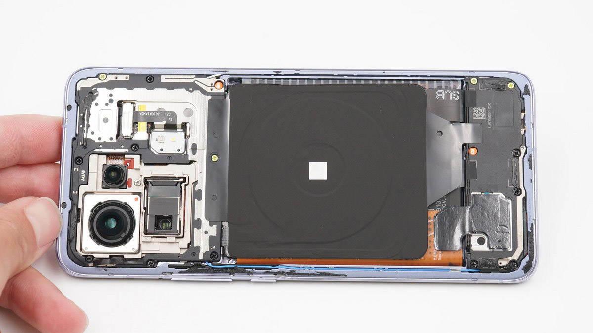 拆解报告:MI小米11 Pro手机内置67W无线充-充电头网