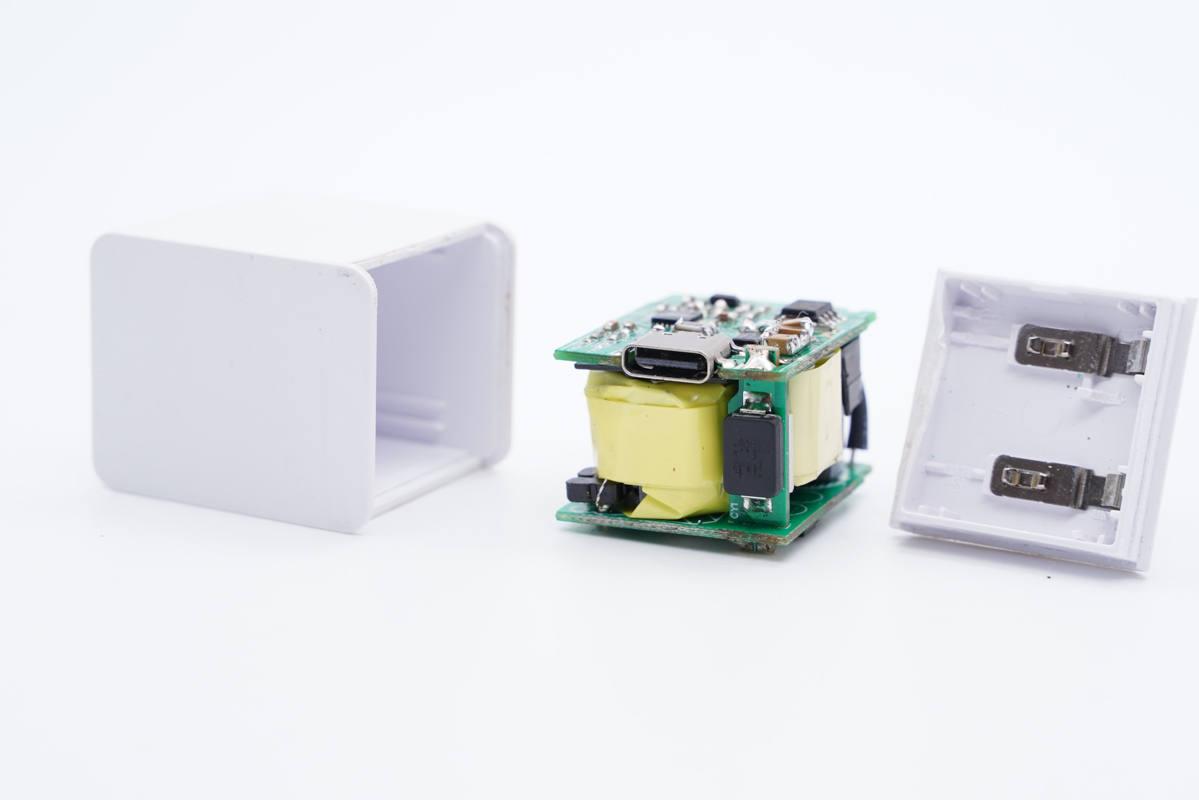拆解报告:tamas迷你20W PD快充充电器AP130-充电头网