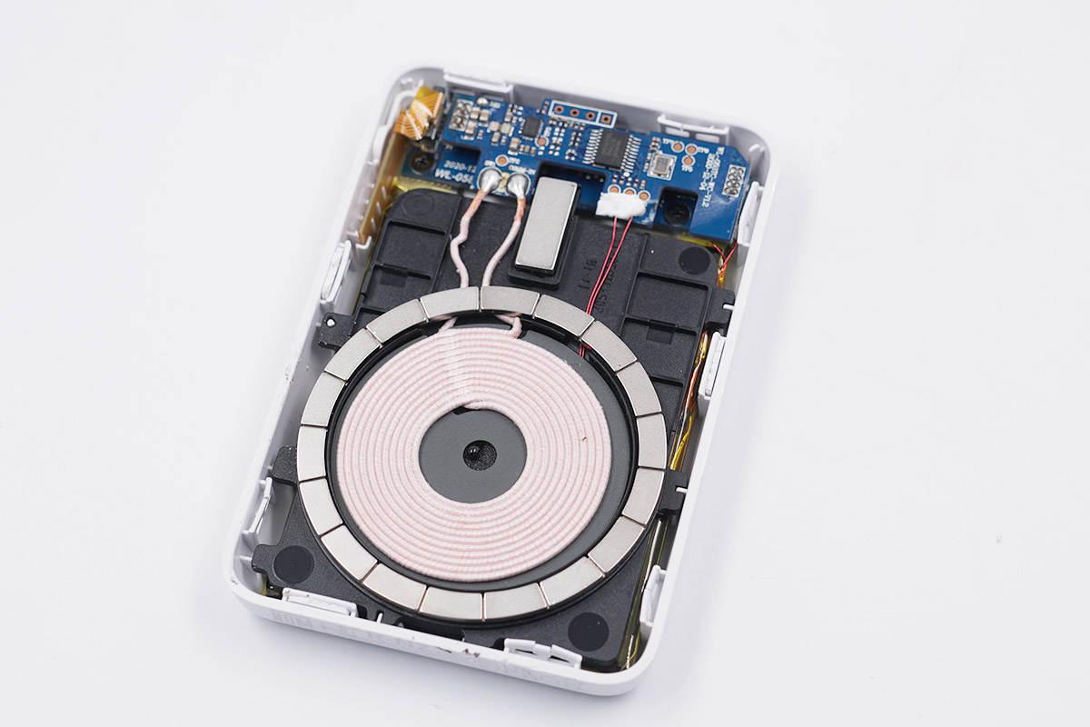 拆解报告:belkin贝尔金5W磁吸无线充电宝BPD002-充电头网