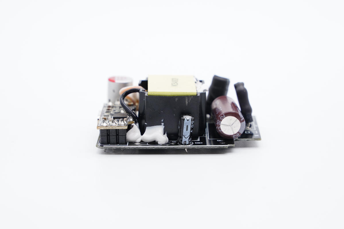 拆解报告:古石科技25W PD快充充电器GS-W25A0929-充电头网